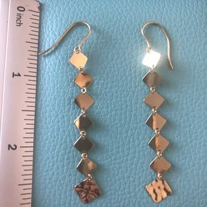 Jewelry - 14K Solid yellow gold drop hammered square earring